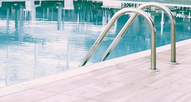 有研究指一般用於游泳池的消毒劑已具有殺滅病毒功效。