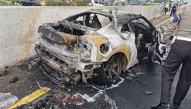 Penampakan mobil Wakil Jaksa Agung Arminsyah yang mengalami kecelakaan tunggal di Tol Jagorawi, Sabtu (4/4/2020). (Foto: Istimewa)
