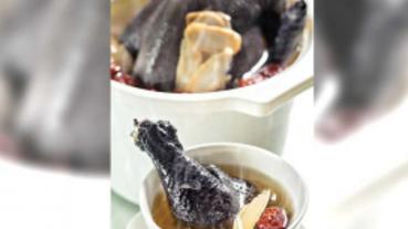 【煲湯養生5】名廚示範 花旗蔘燉烏骨雞湯