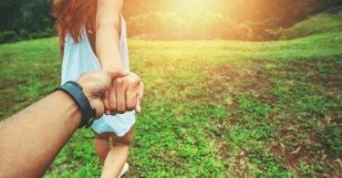五個日常不經意的小動作,顯示老公比妳想的更愛你