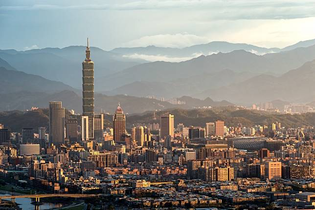 Hong Kong cheap flight deals over Christmas and new year: Taipei, Tokyo, Osaka, Manila, London and Paris among the best deals