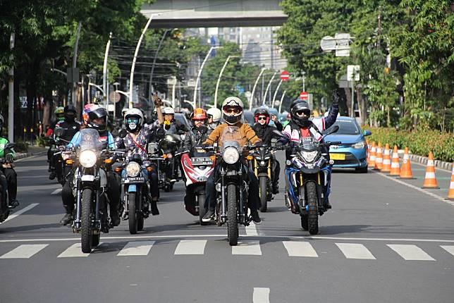 Royal Enfield 'Girls Ride Out' Ajak Biker Perempuan Keliling Jakarta