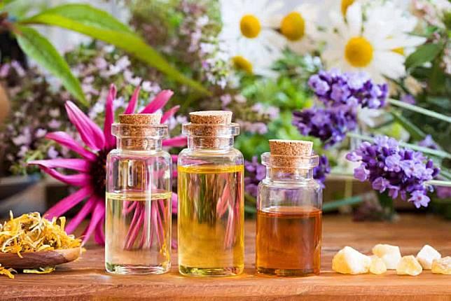 6 Pilihan Minyak Esensial Dapat Membantu Melegakan Sakit Tenggorokan