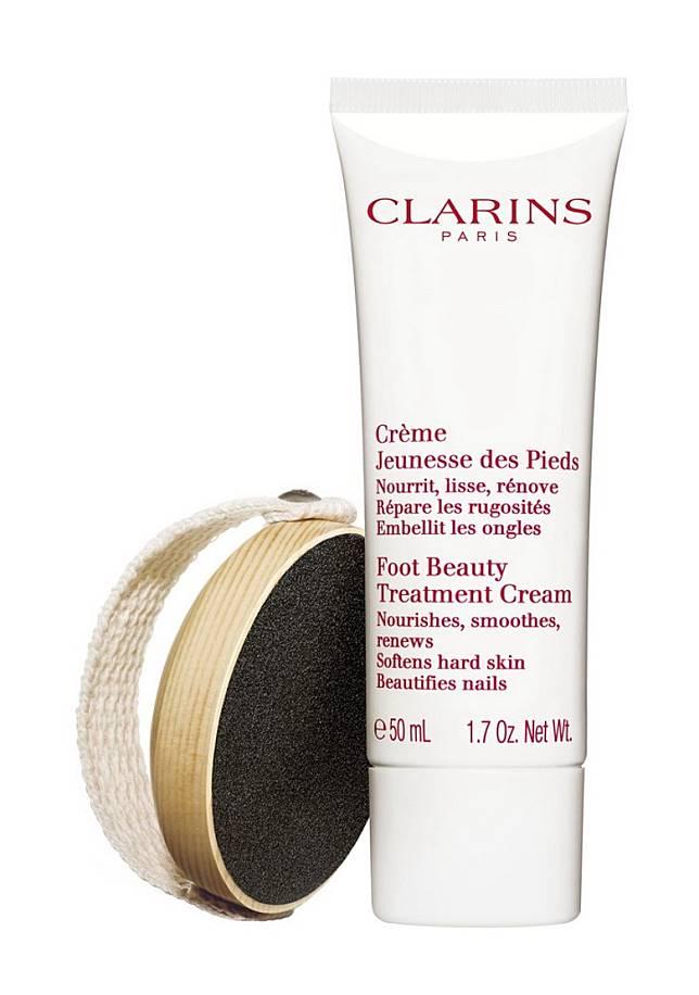CLARINS柔滑美足修護套裝:磨沙板配合修護霜,輕鬆趕走龜裂腳踭、腳底厚繭、粗糙硬皮,使雙足皮膚回復幼滑細緻。(互聯網)