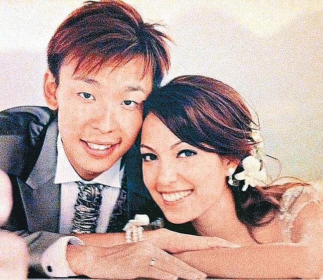 Sarika與Raymond正辦理離婚手續。