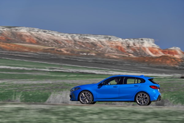 P90349561_highRes_the-all-new-bmw-1-se.jpg