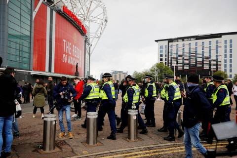 Breaking News: Buntut Unjuk Rasa, Laga MU vs Liverpool Ditangguhkan