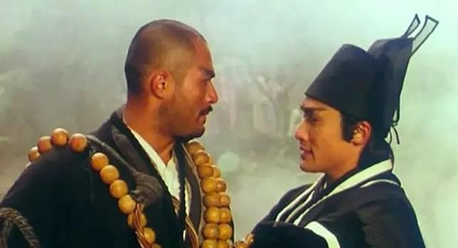 認真戲一樣掂,梁家輝與徐錦江《水滸傳之英雄本色》中真情演繹。