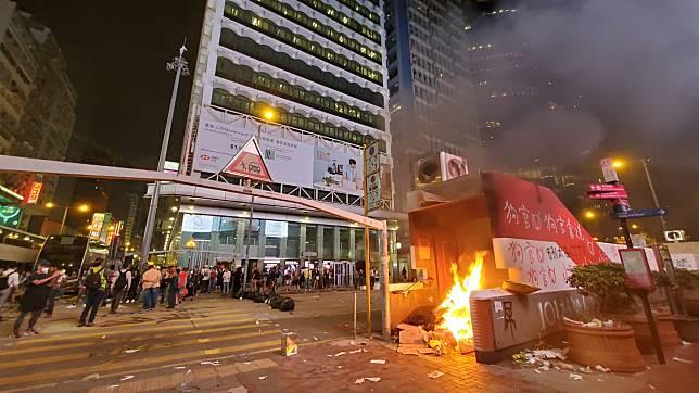 上月示威者導致社會運作大亂。資料圖片
