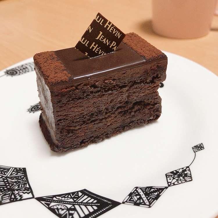 新宿区周辺で多くのユーザーに人気が高いチョコケーキジャンポール・エヴァン 伊勢丹新宿本店のグアヤキルの写真