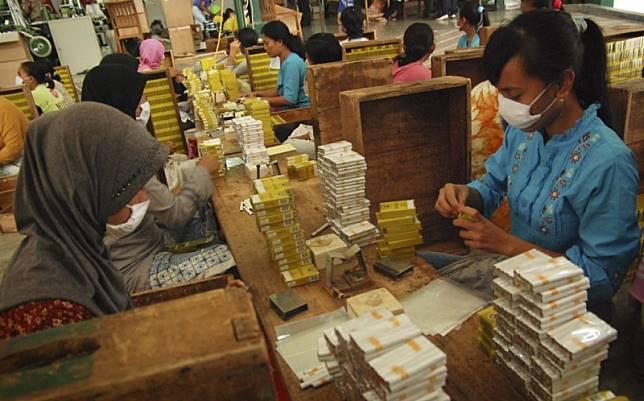 Cukai Rokok Naik 23%, Pelaku Industri Bisa Kurangi Produksi dan Karyawan