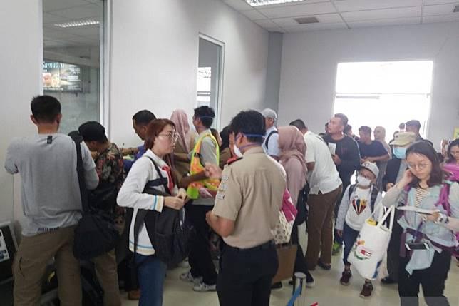 Petugas KKP Tarakan dilengkapi alat pelindung cegah virus corona