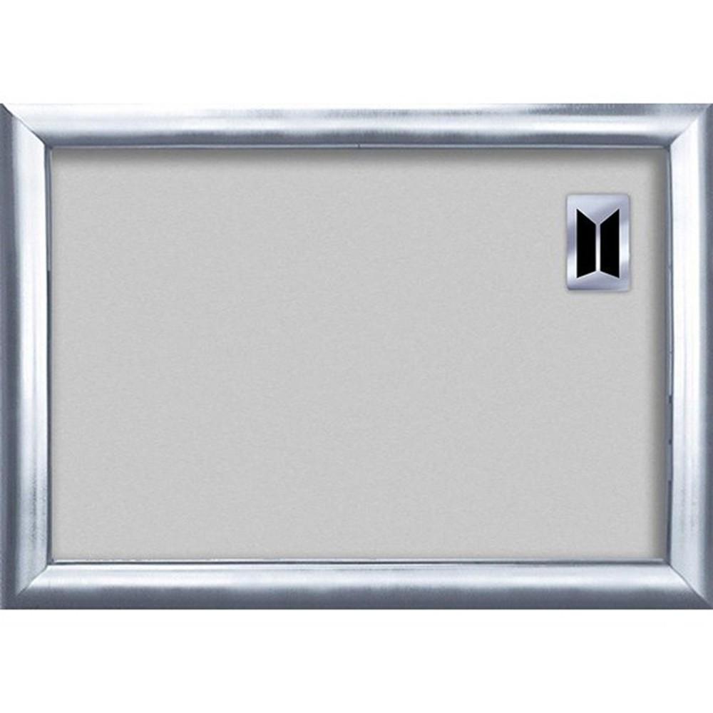 防彈少年團108片拼圖拼出你最喜歡的成員搭配BTS專用拼圖相框收藏外盒尺寸:約20.5*28*1.5(cm)適用拼圖尺寸:約18.2*25.7(cm)品牌國家:日本EPOCH主材質:紙內容物:專用拼圖