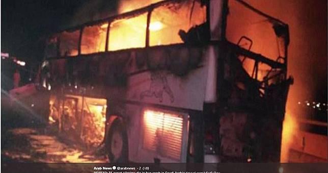朝聖巴士狠撞卡車起火!沙國重大車禍釀35死 含多名亞洲人