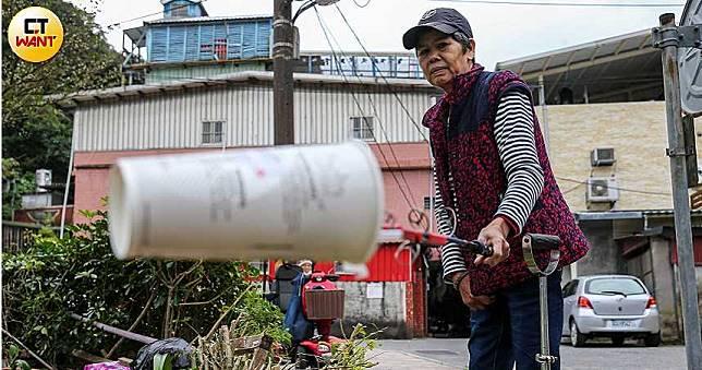 【釣出重生1】半癱婦日行20公里 只為撿回收做公益