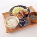 唐揚げと生姜焼きの合い盛り定食 - 実際訪問したユーザーが直接撮影して投稿した西新宿居酒屋わおん。の写真のメニュー情報
