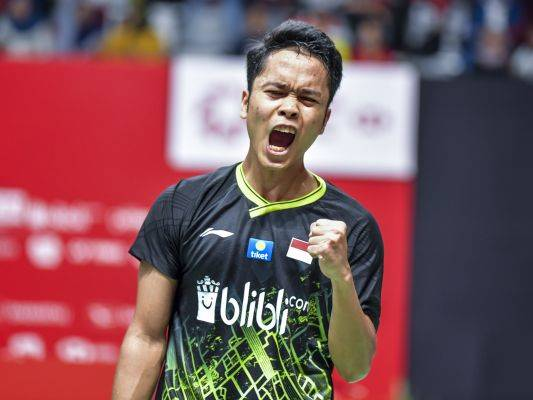 Tunggal putra Anthony Sinisuka Ginting bereaksi usai menjadi juara Indonesia Masters