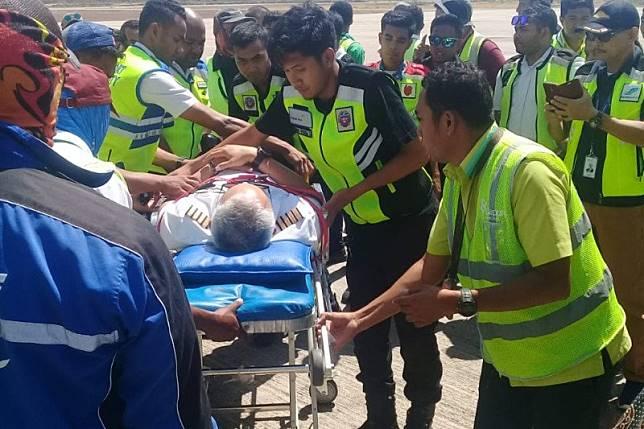 Batik Air mendarat darurat di Bandara Kupang, pilot dibawa ke RS