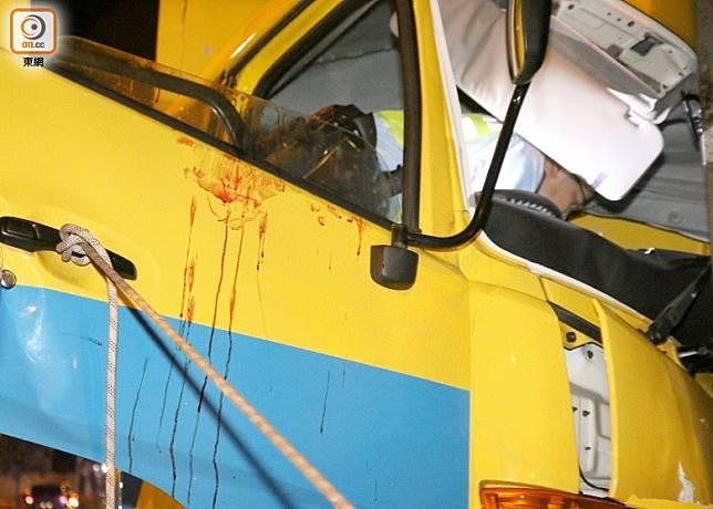 車門沾有血漬。(梁國雄攝)