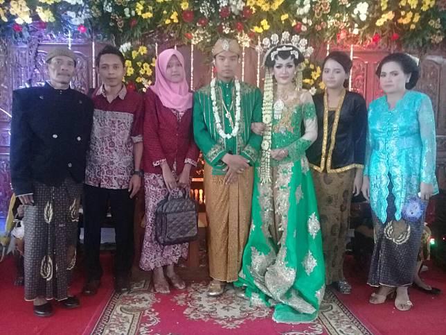 Foto pernikahan Yuni