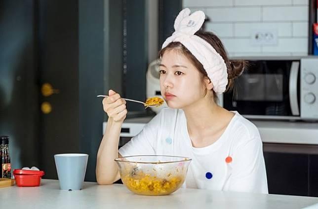 Sering Merasa Napsu Makan Meningkat Saat Diet? Ternyata Ini yang Terjadi Pada Tubuh dan Otak Kita!