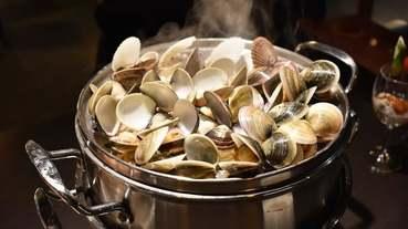新北美食推薦。#蒸翻天蒸氣火鍋。蒸翻天 海鮮蒸氣塔(林口店)。真正饕客才懂得美味。用蒸的才能吃到海鮮的原始鮮甜滋味。霸氣的生猛海鮮94狂。海鮮塔後的精緻鍋物與黃金干貝粥,讓人意猶未盡