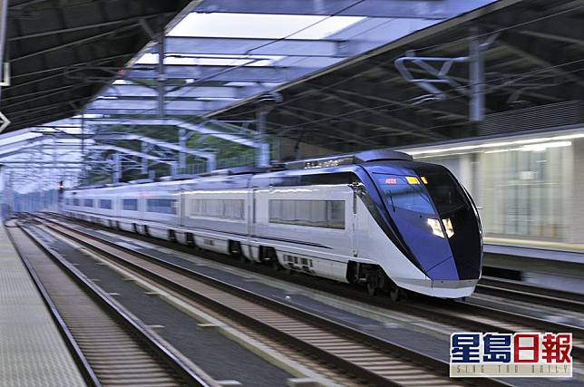 旅客可以乘坐京成電鐵Skyliner 往返東京成田機場與市區。facebook圖片