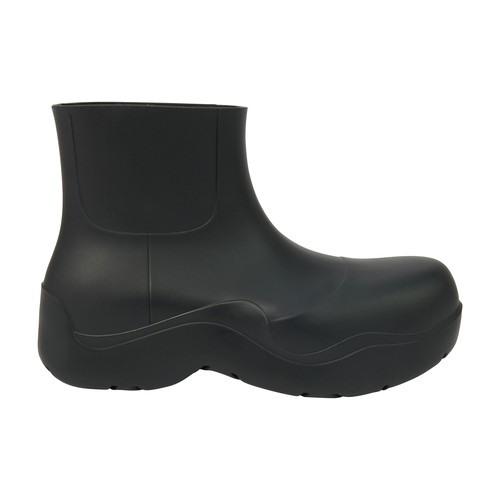 With their rounded contours and soft outer sole these Puddle shoes exemplify the creative style of B