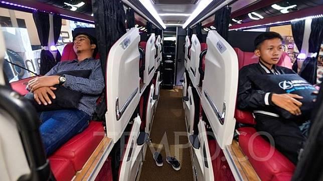 Bus karoseri Laksana ikut dipamerkan di GAIKINDO Indonesia International Auto Show (GIIAS) 2019 di ICE BSD, Tangerang, Jumat 19 Juli 2019. Empat tempat duduk terdepan Sleeper Bun ini memiliki ruang yang lebih luas dari pada 17 sleeper seat lainnya. Tempo/Tony Hartawan
