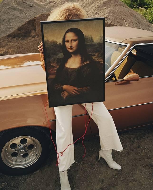 這個背景發光的蒙娜麗莎像,是Virgil向達文西經典之作的致敬,抹走實用性與藝術性之間的明顯分界。 (互聯網)