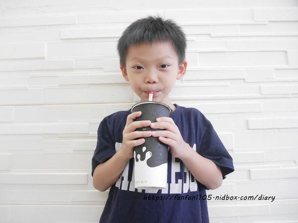 【內科飲料外送】Classic Milk #CM #啪啪奶 #台灣在地水果 #木瓜牛奶 #紅心芭樂 #現打果汁 #熱狗堡 (10).JPG