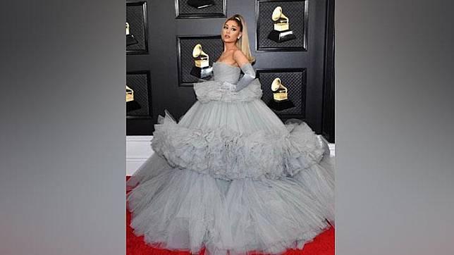Ariana Grande di Grammy Awards 2020. Instagram/@luxurylaw
