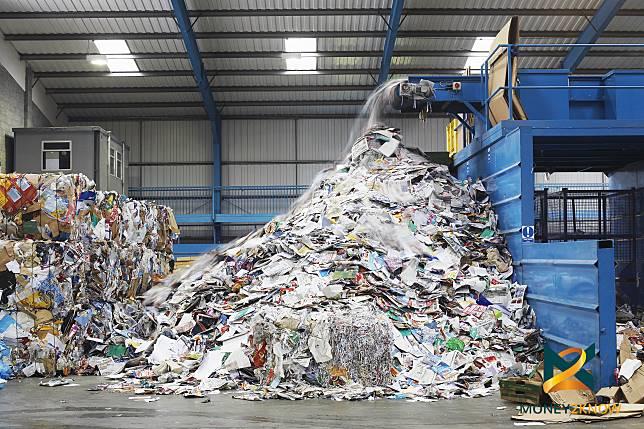 EICแนะธุรกิจปรับตัว หลังรัฐฯยกเลิกพลาสติกใช้แล้วทิ้งปี2015
