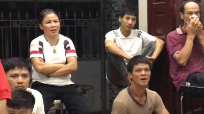 Video: Mẹ Quang Hải lo lắng 'suýt khóc' khi thấy con trai nằm sân