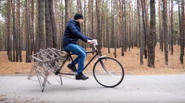 騎帥不騎快…少一顆輪子也能跑的步行自行車