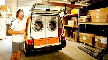 兩位 20 歲男子花了全身積蓄買下一台小貨車 只為了拯救「十萬」個無家可歸的人...