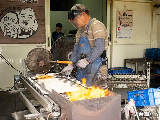 正濱漁港「吉古拉」(獅子狗)秘店,「星濱山-正濱港町藝術共創」團隊帶路才找得到。