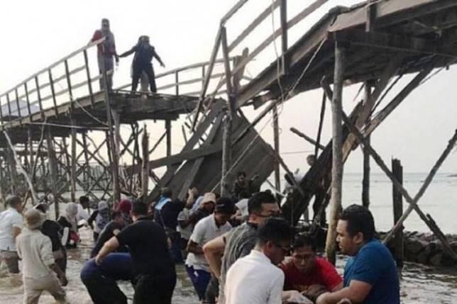 The aftermath of the bridge collapse at Batam's Montigo Resorts Nongsa, on Nov 7, 2019.