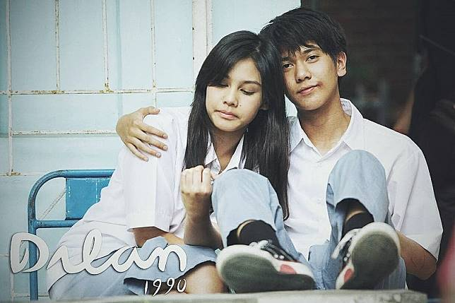 10 Karakter Cowok Romantis di Film Indonesia yang Paling Gemesin