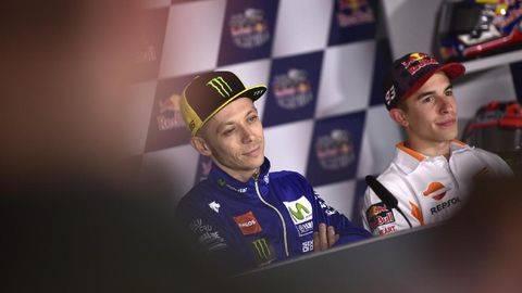 Detik-detik Rossi Tolak Jabat Tangan Marquez