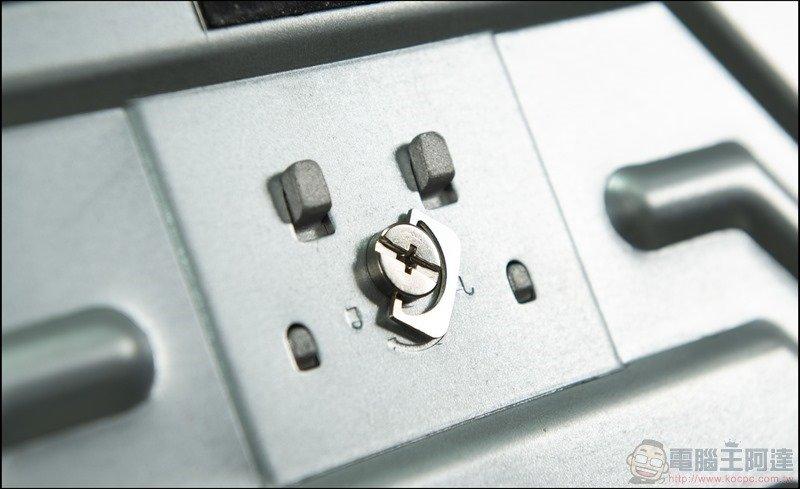 GIGABYTE G32QC 曲面電競螢幕開箱 - 20