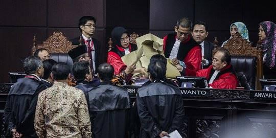 KPU Pertimbangkan Laporkan Saksi Kubu Prabowo Beti Kristiana