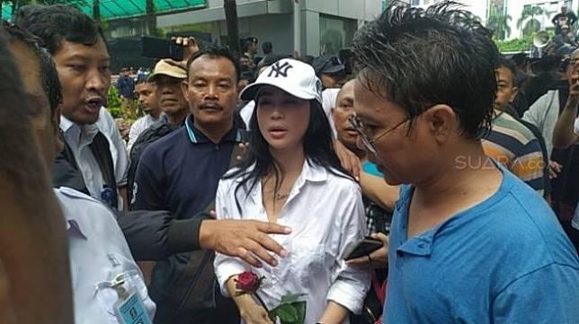 Demo warga Tanjung Priok. (Suara.com/Tyo)