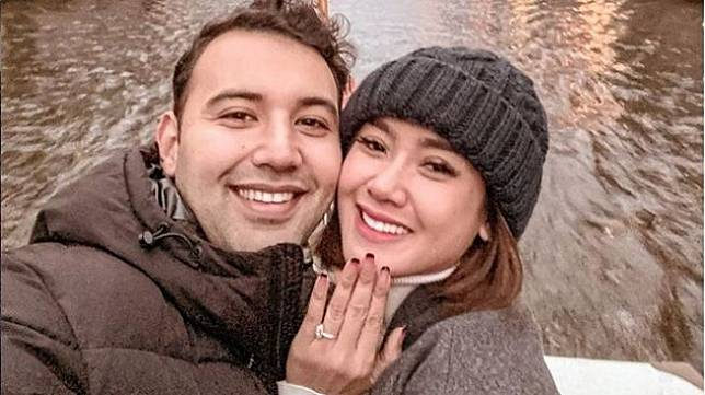 Cita Citata dan calon suami, Roy Maher Geurts [Instagram]