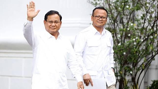 Prabowo Subianto dan Edhy Prabowo menyapa wartawan setibanya di Istana Negara, Jakarta, Senin, 21 Oktober 2019. Prabowo mengumumkan bakal membantu Presiden Joko Widodo. Ia juga spesifik menyebut dia diminta membantu di bidang pertahanan. TEMPO/Subekti