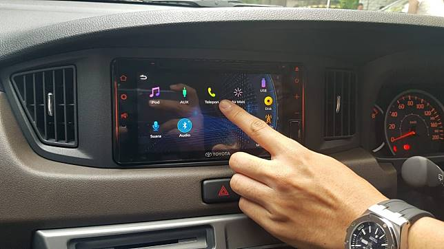 Fitur telephony Toyota Calya