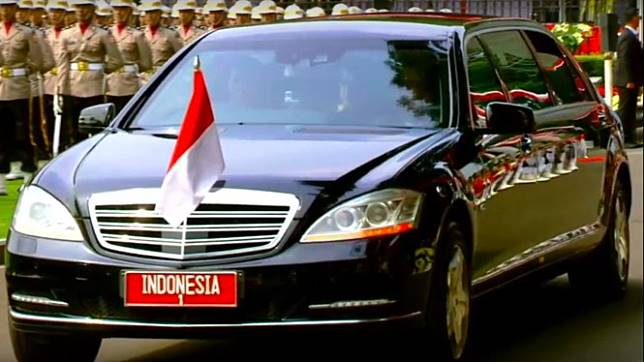 Mobil Presiden Mercedes-Benz S600 Pullman Guard