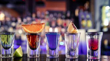 終於有理由大口喝酒了!外國研究證明適量飲用這6款酒,可提升人體健康!