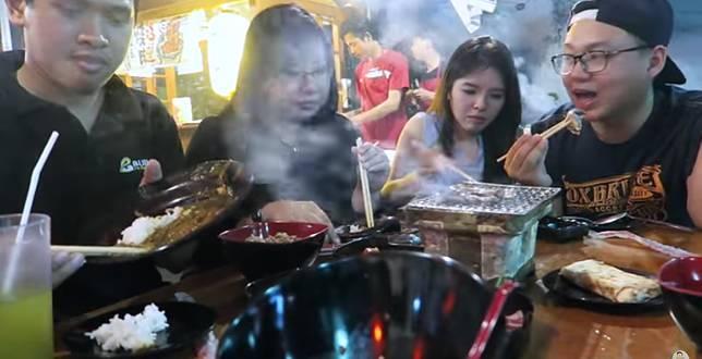 5 Food Vlogger Wajib Follow Bagi Kamu yang Suka Makan Enak