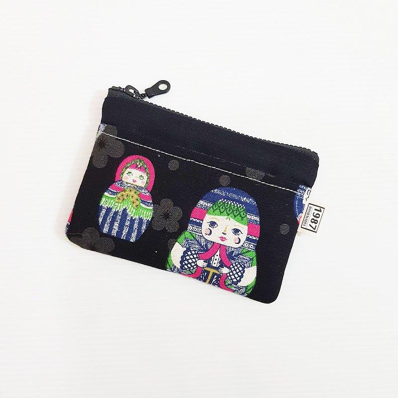 【款式】拉鏈袋零錢包 【size 】約13x9cm(一面有外袋) 《可裝悠遊卡/對折發票零錢/發票/耳機等等隨身小物》 【材質】棉麻布(裡布為灰色)